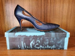 Mr  Easton Navy Blur Heel 8 5