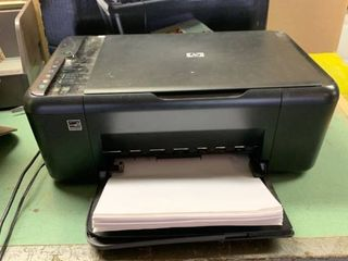 HP Deskjet F4480 Print Scan Copy Machine Powers On location Shelf 2
