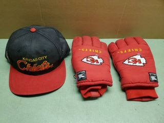 lot of 2   Chiefs Wells Winter Gloves and Black Vintage Snapback