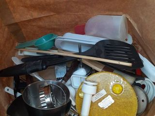 lot of Miscellaneous Kitchen Cooking Utensils