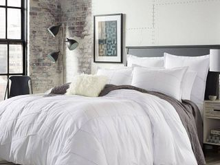 White Courtney Comforter Set  King    City Scene