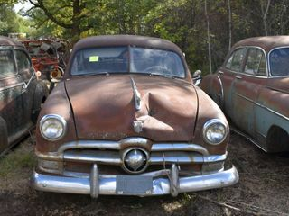 1950 Ford 2 door, V8,no title, good glass