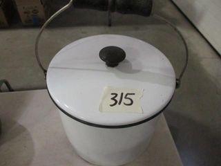 Porcelain Pan w lid   Handle