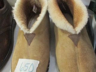 Mens Slippers Size 10