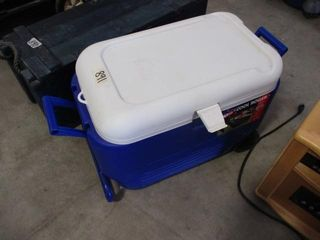 Cooler w Wheels