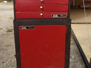 KR Tools Stackable tool box near new.