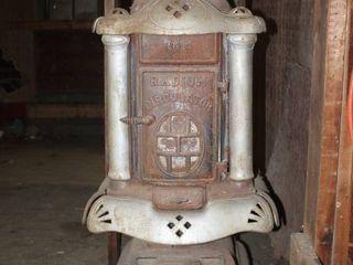 Beautiful  Antique Cast Iron No  9 Radium Circulator Coal and Wood Parlor Stove