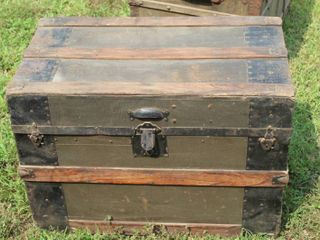 Cool Vintage Antique Trunk 21  Tall x 30  long x 17  Deep
