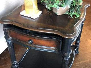 Hooker Furniture End Table with Drawer