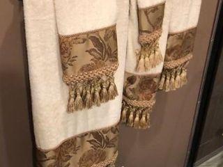 Ornate Tassel Towels