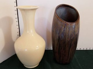 Pottery vases set of 2