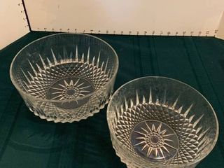 Set of 2 glass bowls
