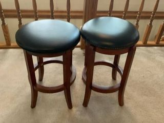 Set of 2 barstools   leather top and swivel