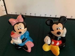 Mickey and Minnie mouse salt and pepper shakers