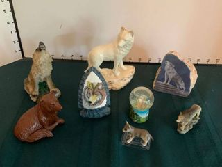 Wolf figurines and statues