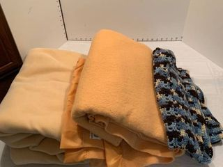 Set of three blankets