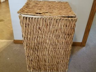 Wicker laundry basket 24 x 17