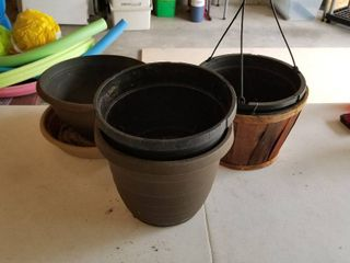 Set of 4 garden pots