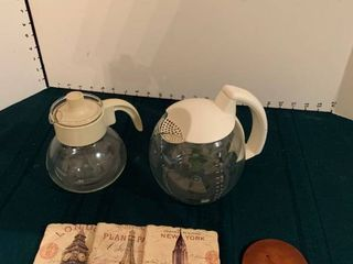 Tea pots with coasters