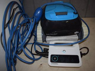 Nautilus Dolphin Swimming Pool Cleaner