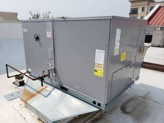 2013 Carrier 7 5 Ton Commercial Packaged Rooftop Gas Heat   Electric Cool Unit