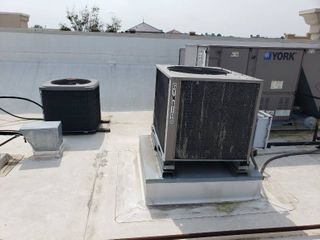 lot  2  rooftop air handlers