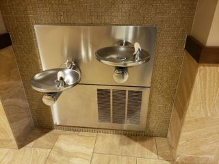 Double water fountain