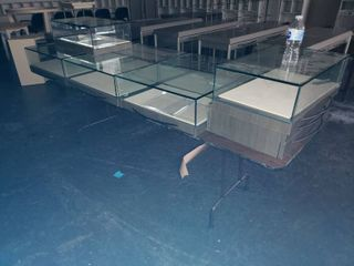 Folding table with glass displays