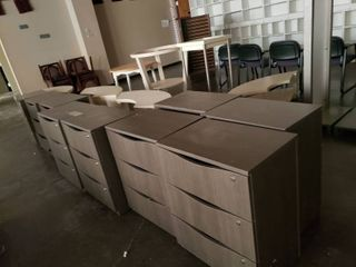 lot  11  storage cabinets