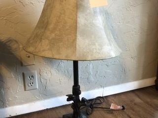 Table top lamp with birds and shade