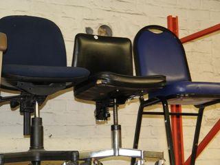4ea  Chairs