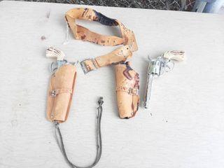 Fanner 50 Toy Cap Guns   1 Gun is Broke and Holsters are Broke off Belt