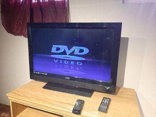 Vizio Tv with Panasonic DVD Player