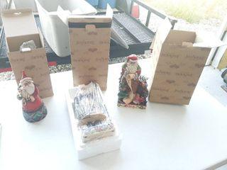 3 Jim Shore Santas