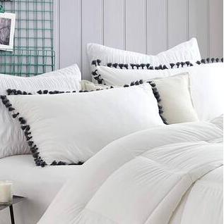 Bare Bottom   lightly Oversized Comforter  Full Queen  Cream  Shams not included  Retail 113 99