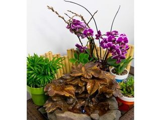 Alpine Corporation 10  Cascading leaf Tabletop Indoor   Outdoor Fountain with lED lights