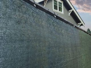 AlEKO Privacy Mesh Fabric Screen Fence with Grommets   4 x 25 Feet   Dark Green