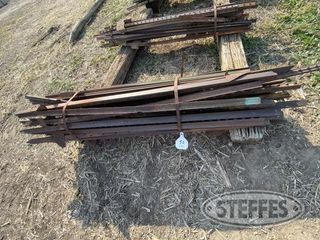 50 5 1 2 to 6 steel fence posts 1 jpg