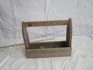 WOOD PRIMITIVE BOX