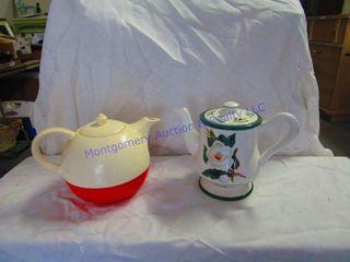 2 TEA POTS