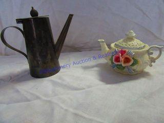 FlORAl TEA  MINATURE    H   H METAl POT