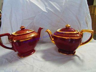 MATCHING TEA POTS