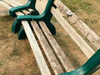 2 IJ lAWN BENCHES
