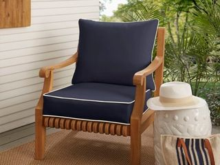 Sunbrella Navy with Ivory Indoor  Outdoor Chair Cushion and Pillow Set  Corded   Retail 167 99