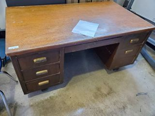 Wood executive desk w  drawers