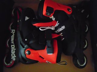 Pair of Roller Blades   Childrens Size 2 5