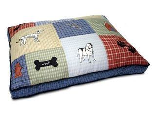 Petmate  Quilted Classic Dog Applique Dog Bed