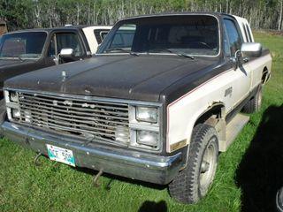 1984 GMC 6.2 Diesel Sierra 4X4, Running
