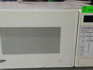 Samsung Shop Microwave- 700 Watts- needs to be