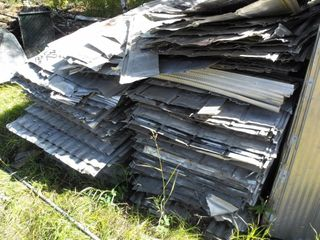 Large Lot Used Steel Galvanized Sheeting, mostly
